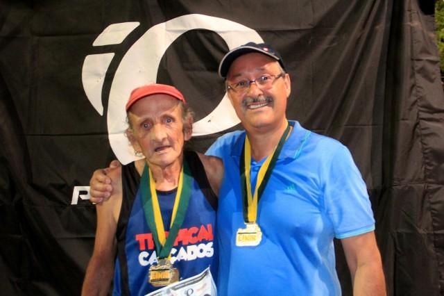 Irineu e o prefeito Daniel (Crédito: Bruno Fernandes  / Noispedala)