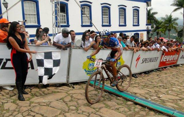 Chegada de Mario Antonio Veríssimo em Congonhas (Crédito: Dyanna de Paula / Noispedala.com.br)
