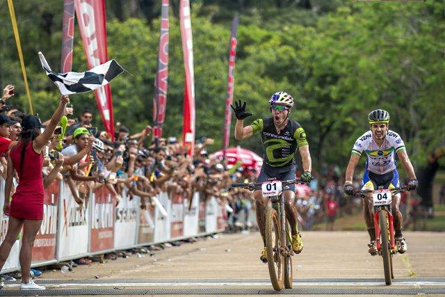 Vencendo dois estágios, Brasil e EUA são campeões da 1º etapa da CIMTB Levorin