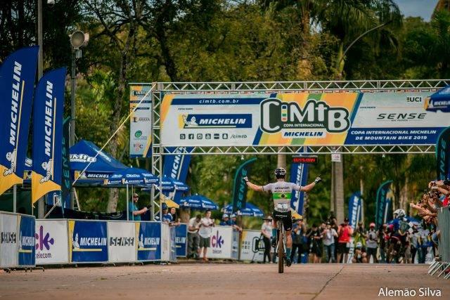 Brasil e México estreia Maratona na CIMTB Michelin com vitória em Araxá